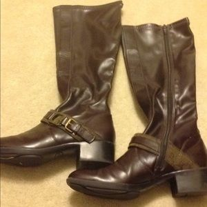 Women's Etienne Aigner tall brown boots size 6M